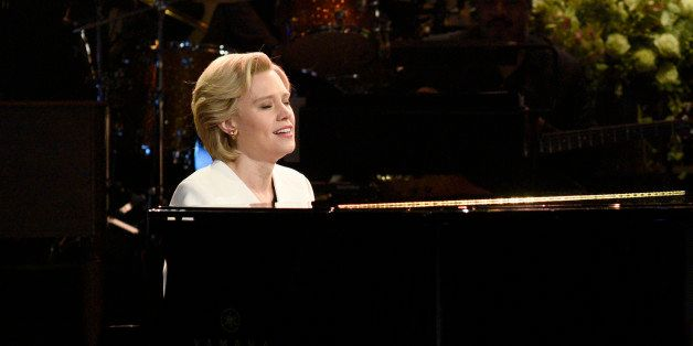 SATURDAY NIGHT LIVE -- 'Dave Chappelle' Episode 1710 -- Pictured: (l-r) Kate McKinnon as Hillary Clinton sings Leonard Cohen'