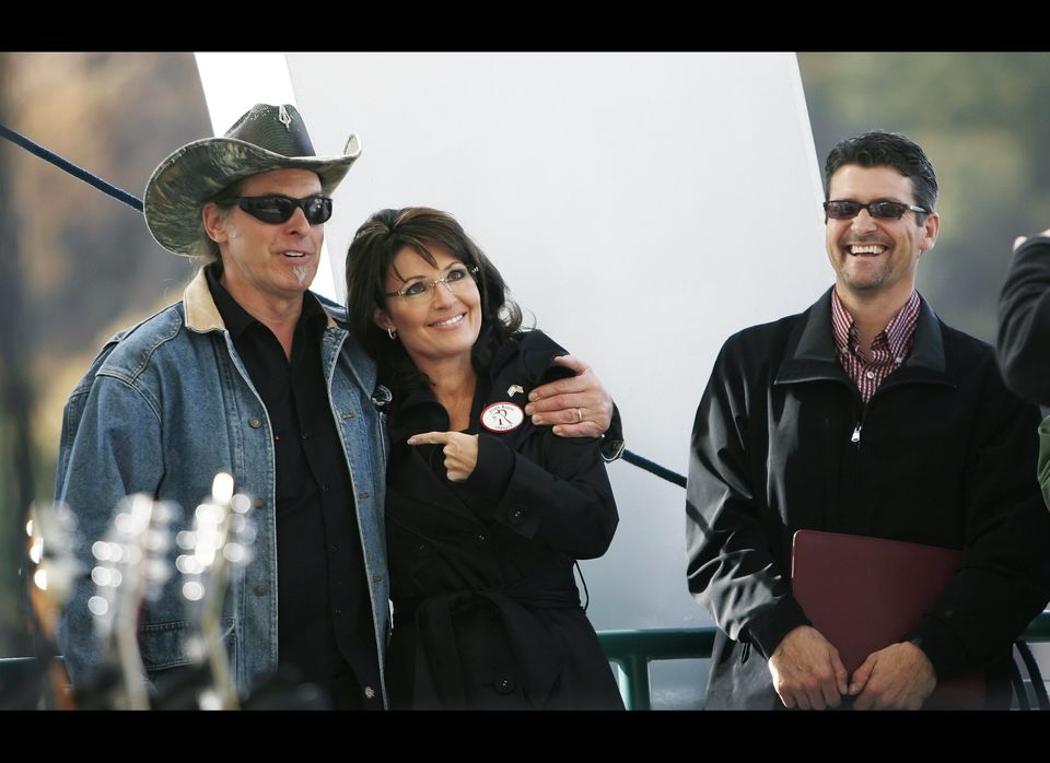 CHARLESTON, WV - OCTOBER 30:  (L-R) Musician Ted Nugent laughs with former vice-presidential candidate Sarah Palin and her hu