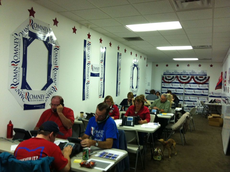 At Romney's Ohio campaign headquarters, volunteers make phone calls into the night.