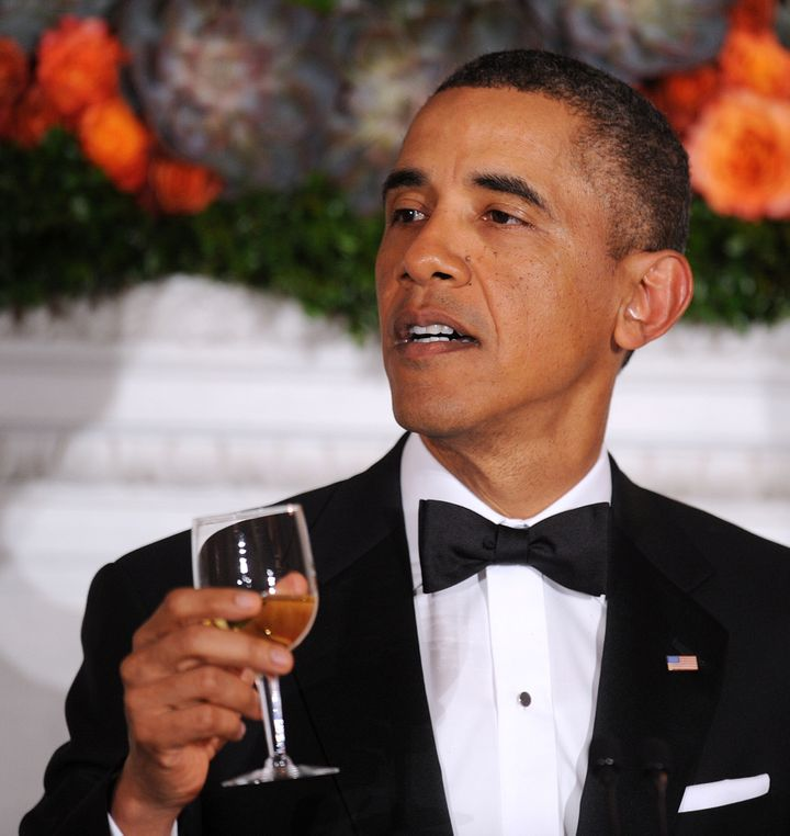WASHINGTON, DC - FEBRUARY 24:  U.S. President Barack Obama offers a toast during a event with the National Governors Associat