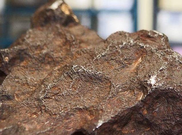 Mann nutzt Meteorit als Türstopper – nach 30 Jahren erfährt er echten