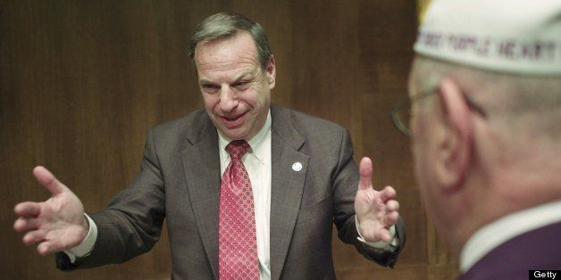 03/29/07--House Veterans' Affairs Chairman Bob Filner, D-Calif.,   talks with audience members after the joint hearing with S