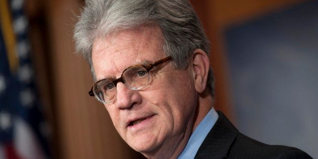 UNITED STATES - NOVEMBER 15: Sen. Tom Coburn, R-Okla., holds a news conference to unveil a new report on the Defense Departme