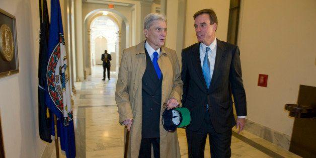UNITED STATES - NOVEMBER 17:  Freshmen Senator Mark Warner, D-VA., meets the man he replaces in the U.S. Senate John Warner,
