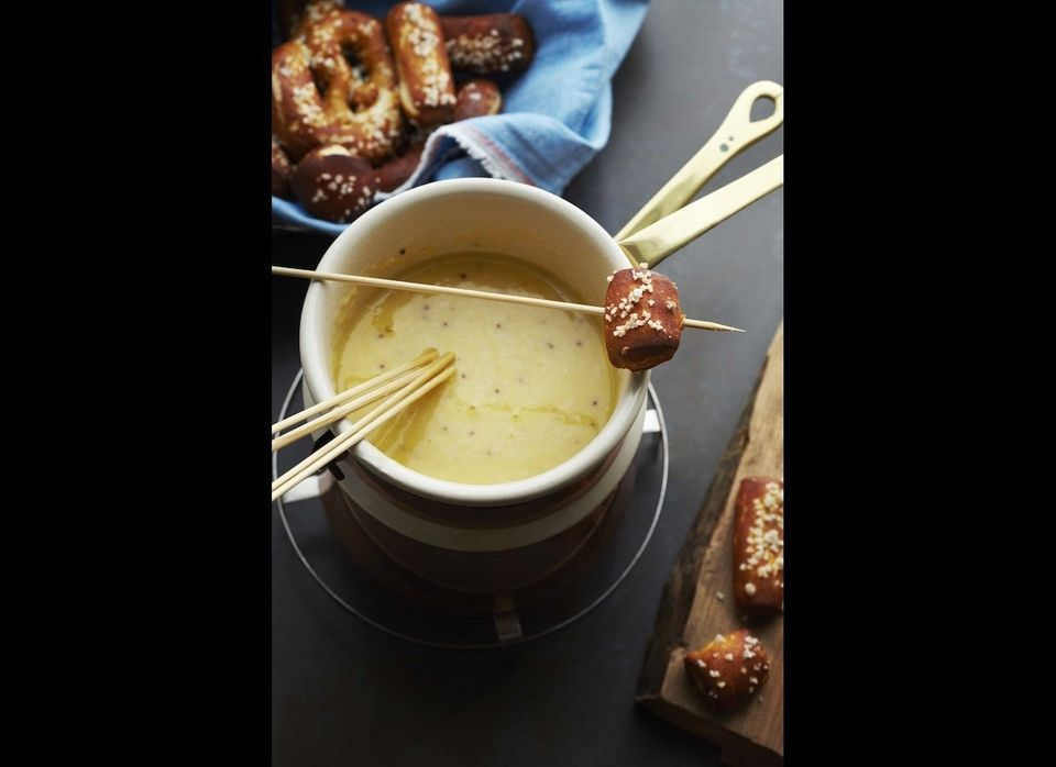 "<a href=""http://www.imbibemagazine.com/Beer-Cheese-Fondue-Recipe"" target=""_hplink""><strong>Beer Cheese Fondue</strong></a>