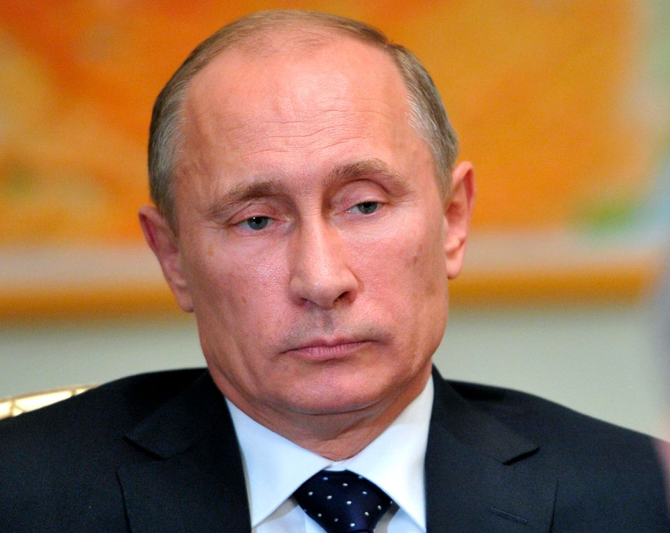 "<a href=""http://www.washingtonpost.com/blogs/worldviews/wp/2013/06/13/vladimir-putin-defends-the-u-s-on-spying-programs-drone"