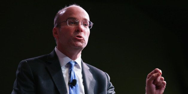 WASHINGTON, DC - MAY 19:  Politico's Chief White House correspondent Mike Allen introduces former U.S. Treasury Secretary Tim