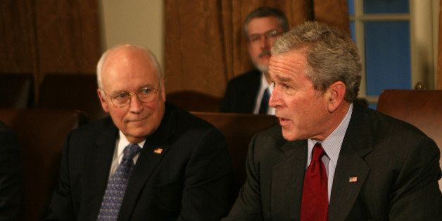 WASHINGTON - JANUARY 29:   (AFP OUT) President George W. Bush (R) and Vice President Dick Cheney attend a meeting of the Join