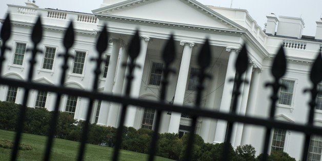 The White House is seen September 25, 2014 in Washington, DC. US Secret Service raised security after an intruder was able to