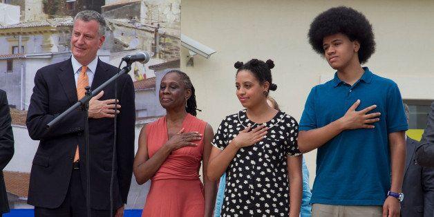 GRASSANO, ITALY - JULY 24:  New York City Mayor Bill de Blasio, Chirlane McCray, Chiara de Blasio and Dante de Blasio stand f