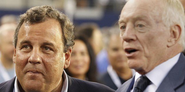 New Jersey Gov. Chris Christie and Dallas Cowboys owner Jerry Jones talk before the New York Giants play the Cowboys at AT&T