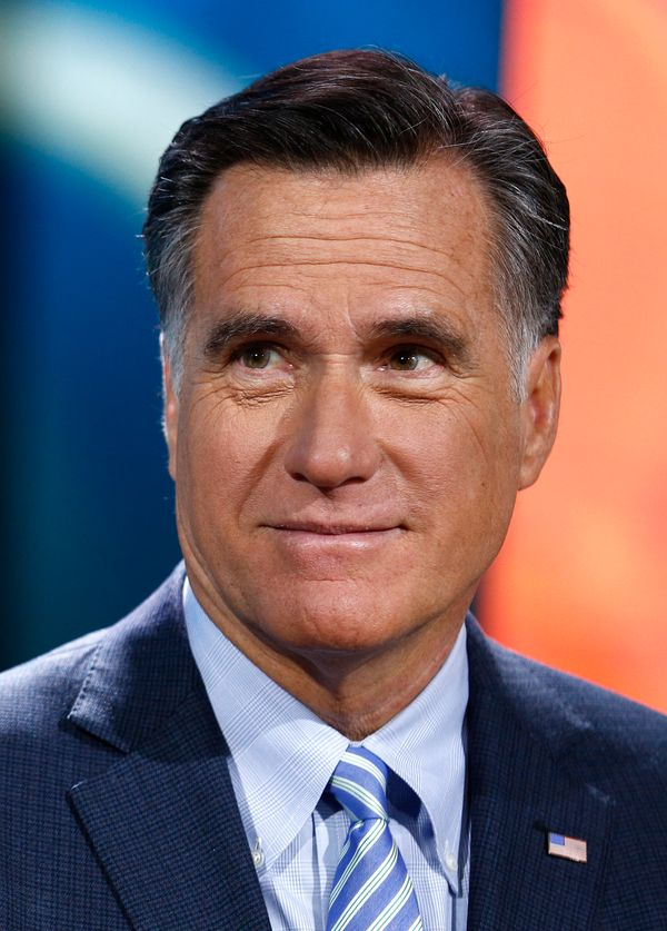 "In late November 2012, a Reddit user <a href=""http://www.reddit.com/r/pics/comments/13hs4e/mitt_romney_at_my_local_gas_statio"