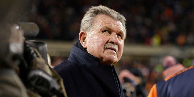 Former Chicago Bears player and football coach Mike Ditka waits for the halftime ceremony where his No. 89 was to be retired