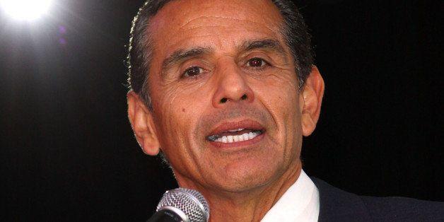 LOS ANGELES, CA - FEBRUARY 12:  Former Mayor of Los Angeles Antonio Villaraigosa speaks during Estrella TV welcoming party in