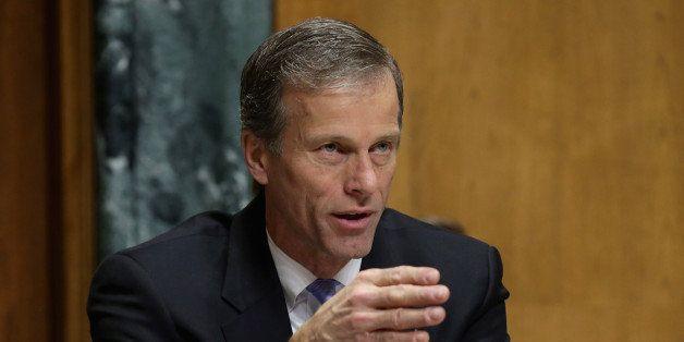 WASHINGTON, DC - FEBRUARY 05:  Sen. John Thune (R-SD) questions Treasury Secretary Jack Lew during a Senate Finance Committee