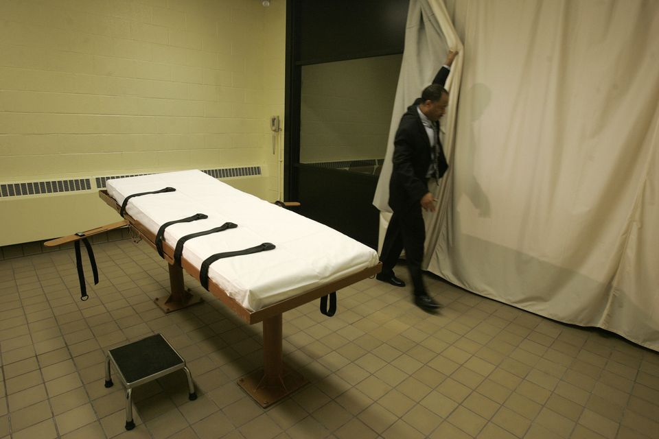 "<a href=""http://www.cnn.com/2013/07/19/us/death-penalty-fast-facts/"" target=""_blank"">Over 1360 people have been executed by l"