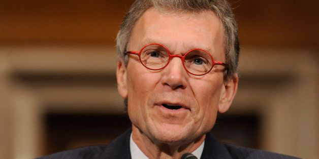 FILE - In this Jan. 9, 2009 file photo, then-Health and Human Services Secretary-designate Tom Daschle delivers his opening r