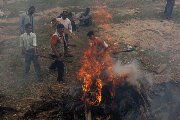 BHAKTAPUR, NEPAL - APRIL 26:  Victims of the earthquake that hit Nepal yesterday are cremated on April 26, 2015 in Bhaktapur,