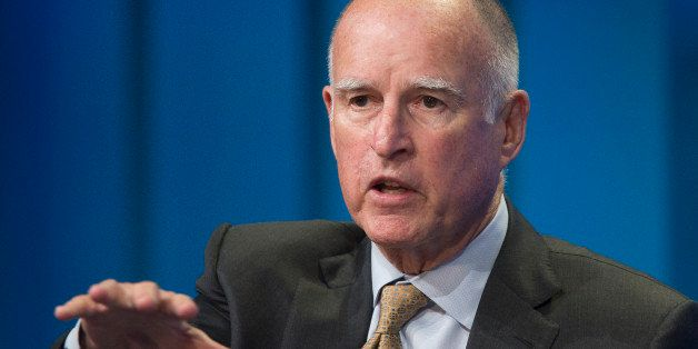 LOS ANGELES, CA - APRIL 29:  California governor Jerry Brown talks about new efforts to cope with climate change during a pan