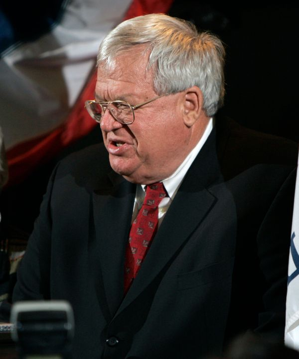 "<a href=""https://www.huffpost.com/entry/dennis-hastert-indicted_n_7464262"" target=""_blank"">The AP reports:</a>  Former U.S. H"