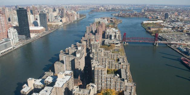 New York City's Roosevelt Island is viewed in this aerial photograph from a helicopter over New York on November 11, 2008. AF