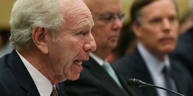 WASHINGTON, DC - JULY 14: Former Sen. Joseph Lieberman (I-CT)  (L) co-chair of the Foundation for the Defense of Democracies,