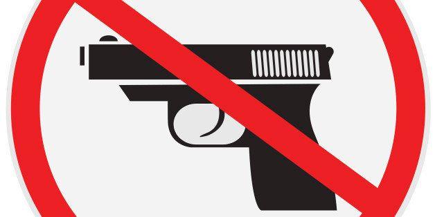 vector illustration of no gun allowed sign