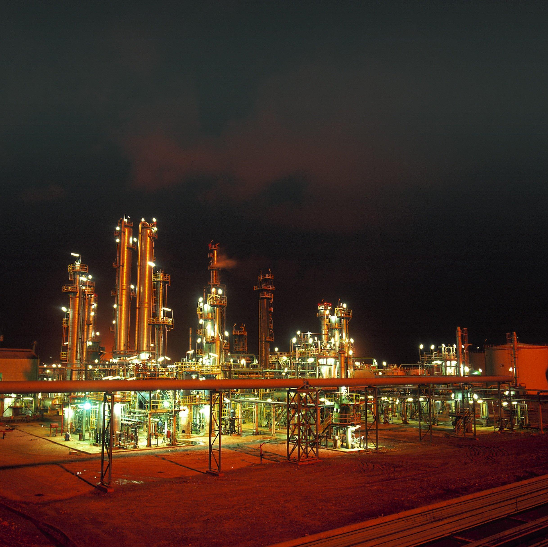 Les pluies font des dégâts à la raffinerie de Skikda: fuite de pétrole dans une