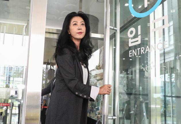 김부선 음성파일이 빠르게 확산되며 '스캔들 의혹'을