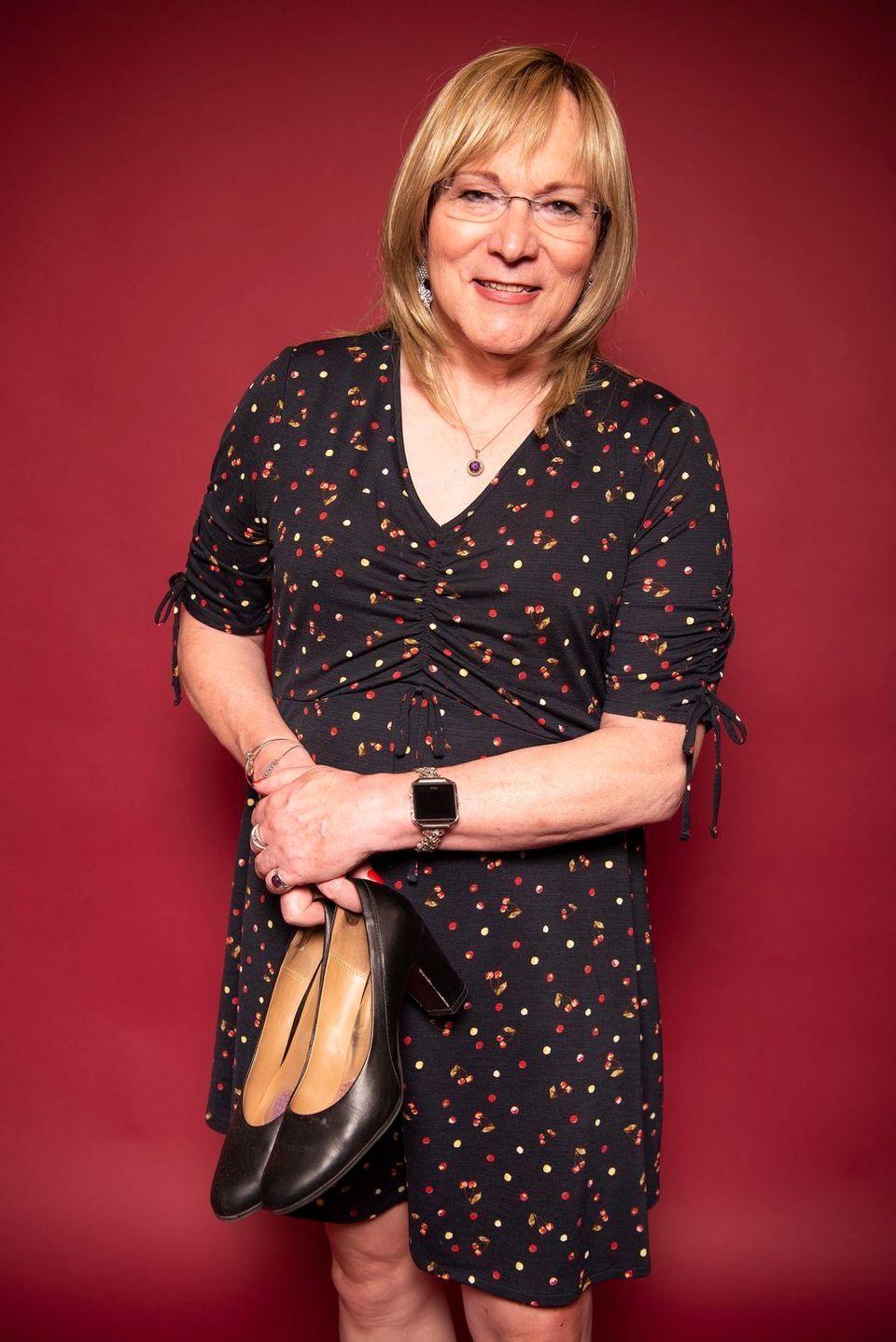 Wendy Cole trägt immer noch ihre ersten Pumps, die sie sich jemals gekauft