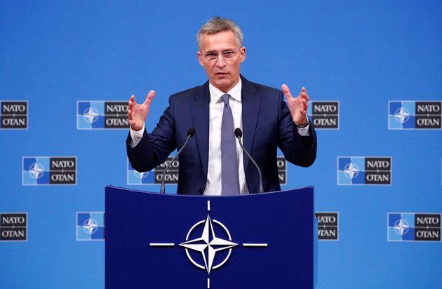 Στόλτενμπεργκ: Μονόδρομος η εφαρμογή της συμφωνίας των Πρεσπών για την ένταξη της ΠΓΔΜ στο
