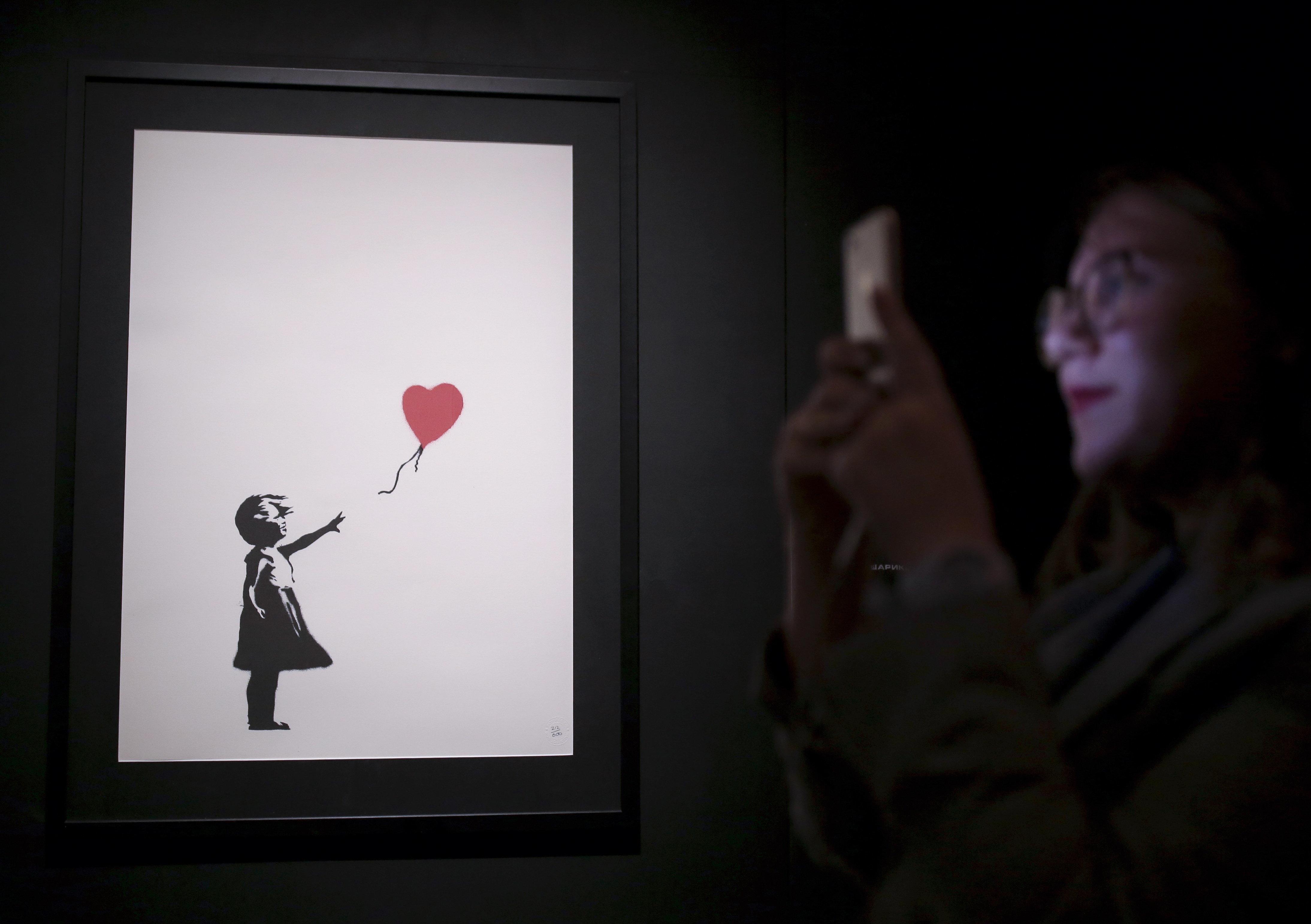 O Banksy αποκαλύπτει πως κατέστρεψε τον πίνακά του στη δημοπρασία του Sotheby's