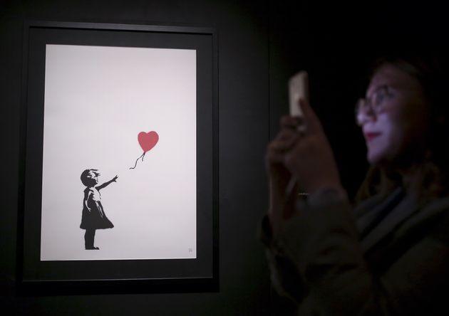 O Banksy αποκαλύπτει πως κατέστρεψε τον πίνακά του στη δημοπρασία του
