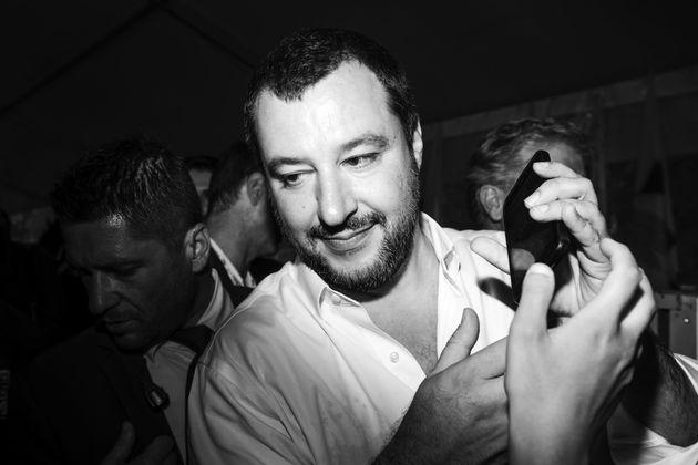 Matteo Salvini mit Anhängern in