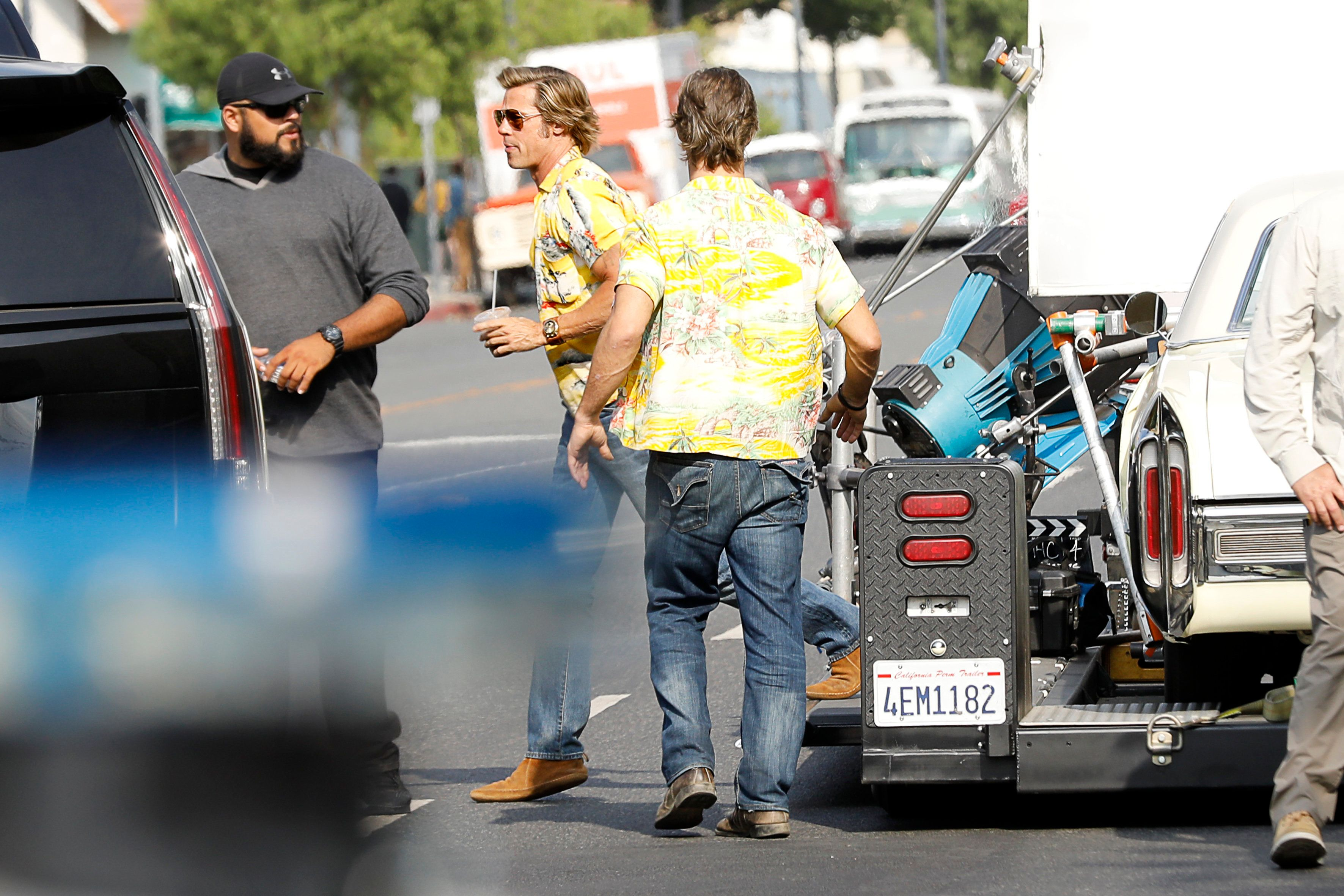 Brad Pitt am Film-Set: Doppelgänger-Foto gibt Rätsel