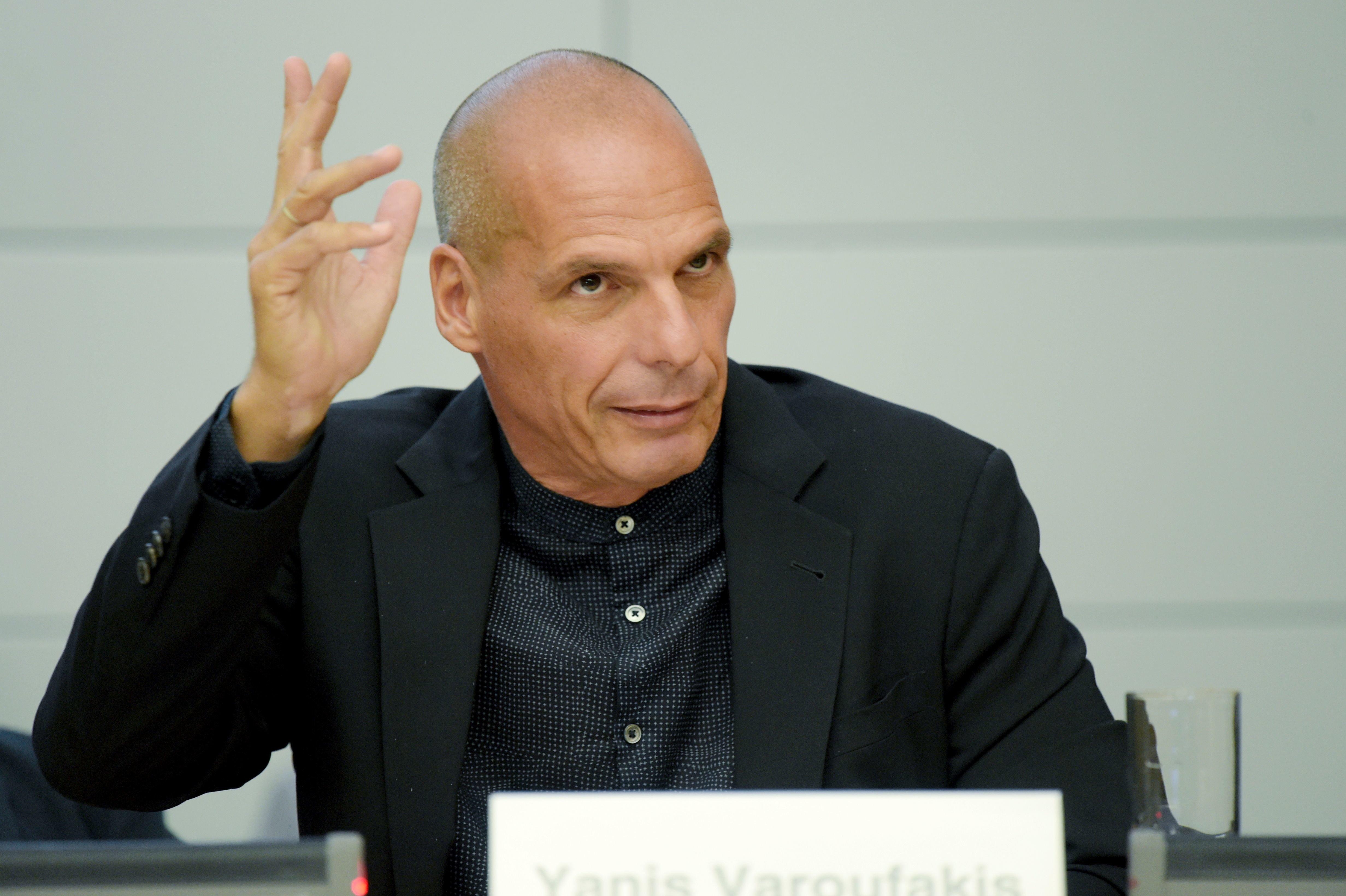 Βαρουφάκης: Ματέο Σαλβίνι, θα με βρίσκεις μπροστά σου παντού!
