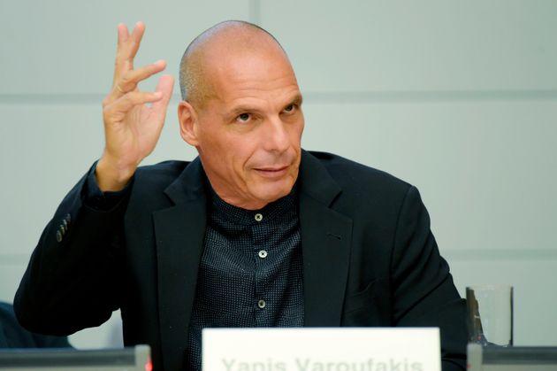 Βαρουφάκης: Ματέο Σαλβίνι, θα με βρίσκεις μπροστά σου