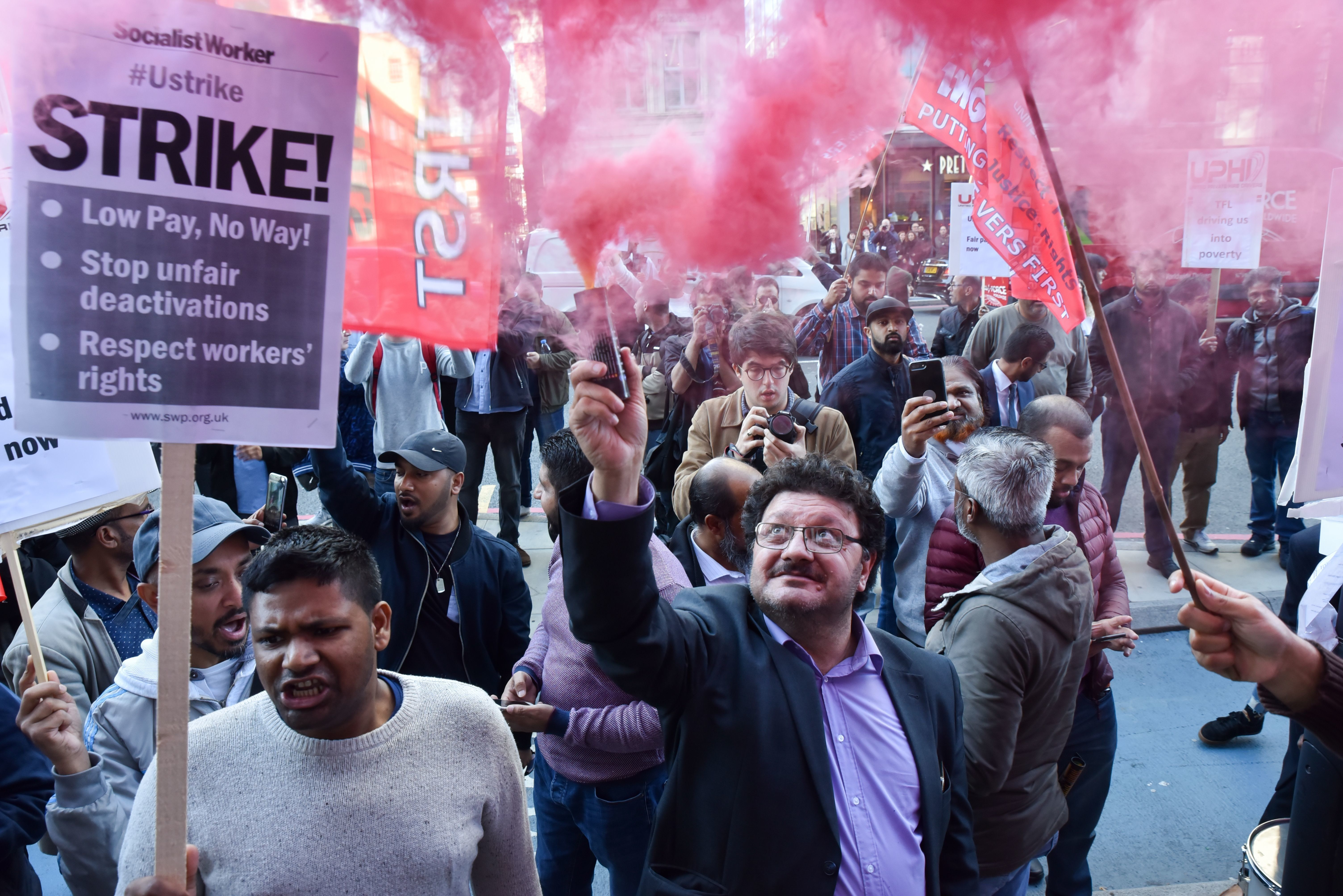 Uber Drivers Beign 24-Hour Strike And Call For 'Digital Picket