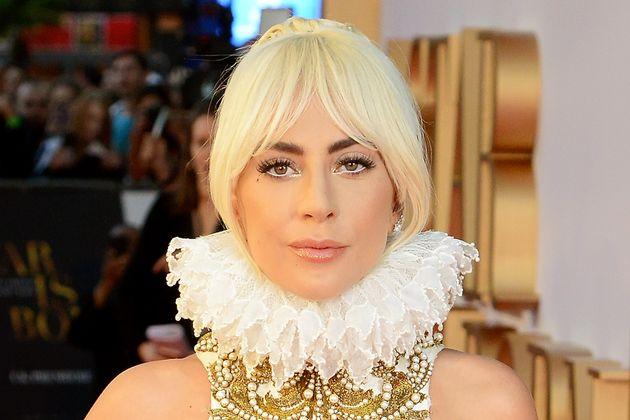 Η Lady Gaga γράφει για την αυτοκτονία και το στίγμα της ψυχικής