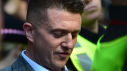Army Investigates Picture Of Tommy Robinson Posing With