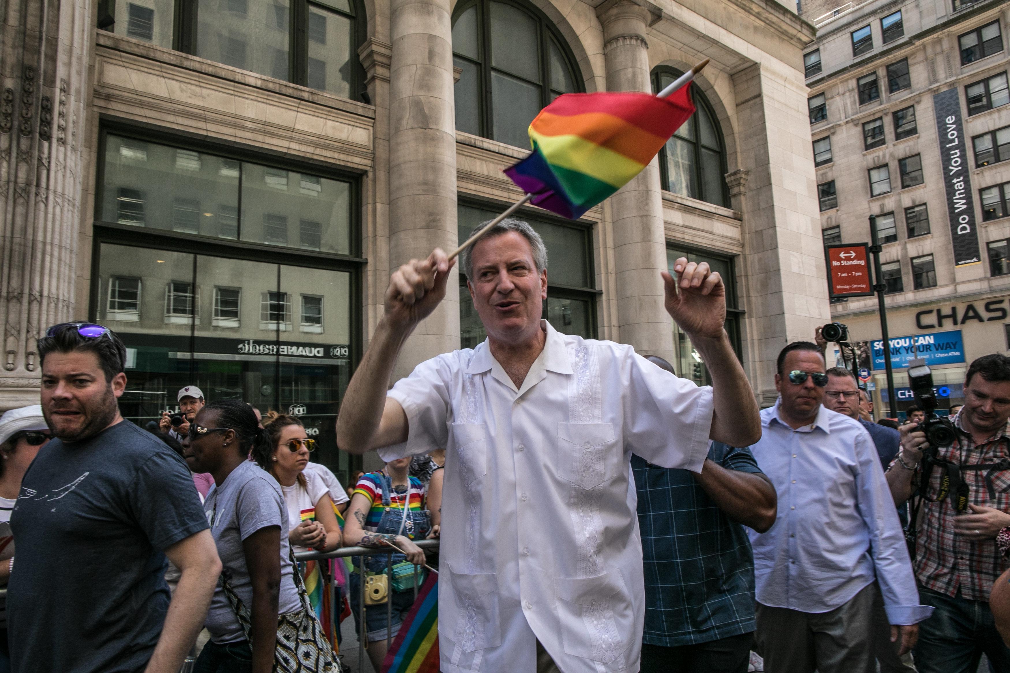 NYC Mayor Bill De Blasio Signs Bill Adding Gender 'X' To Birth