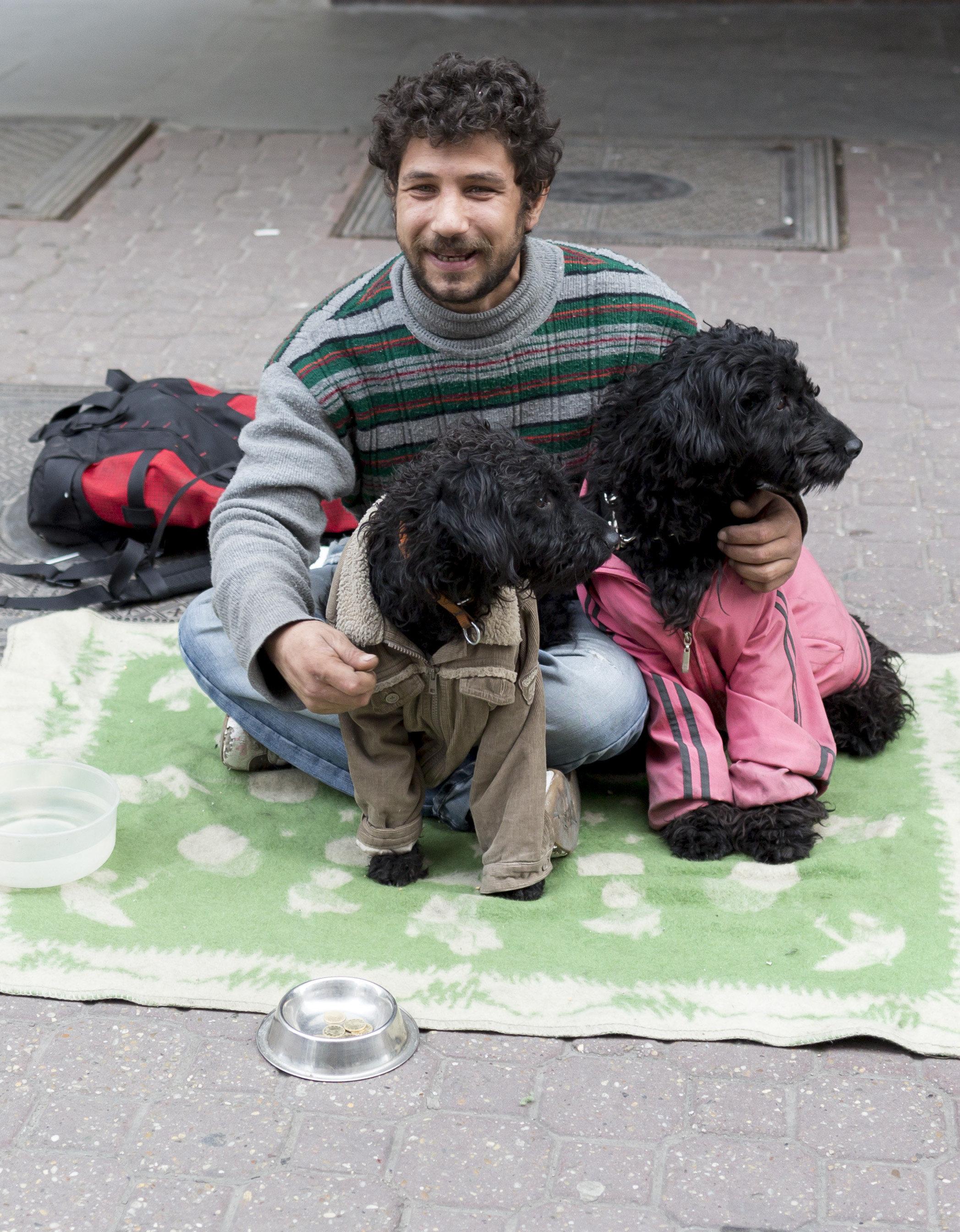 Γιατί οι άστεγοι στην Ουγγαρία φοβούνται ότι είναι ο επόμενος στόχος του Όρμπαν