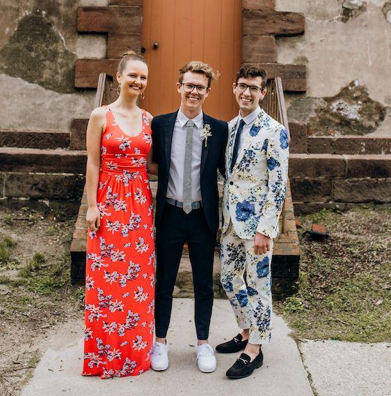 Minha filha Beth e os filhos Luke e Will no casamento de