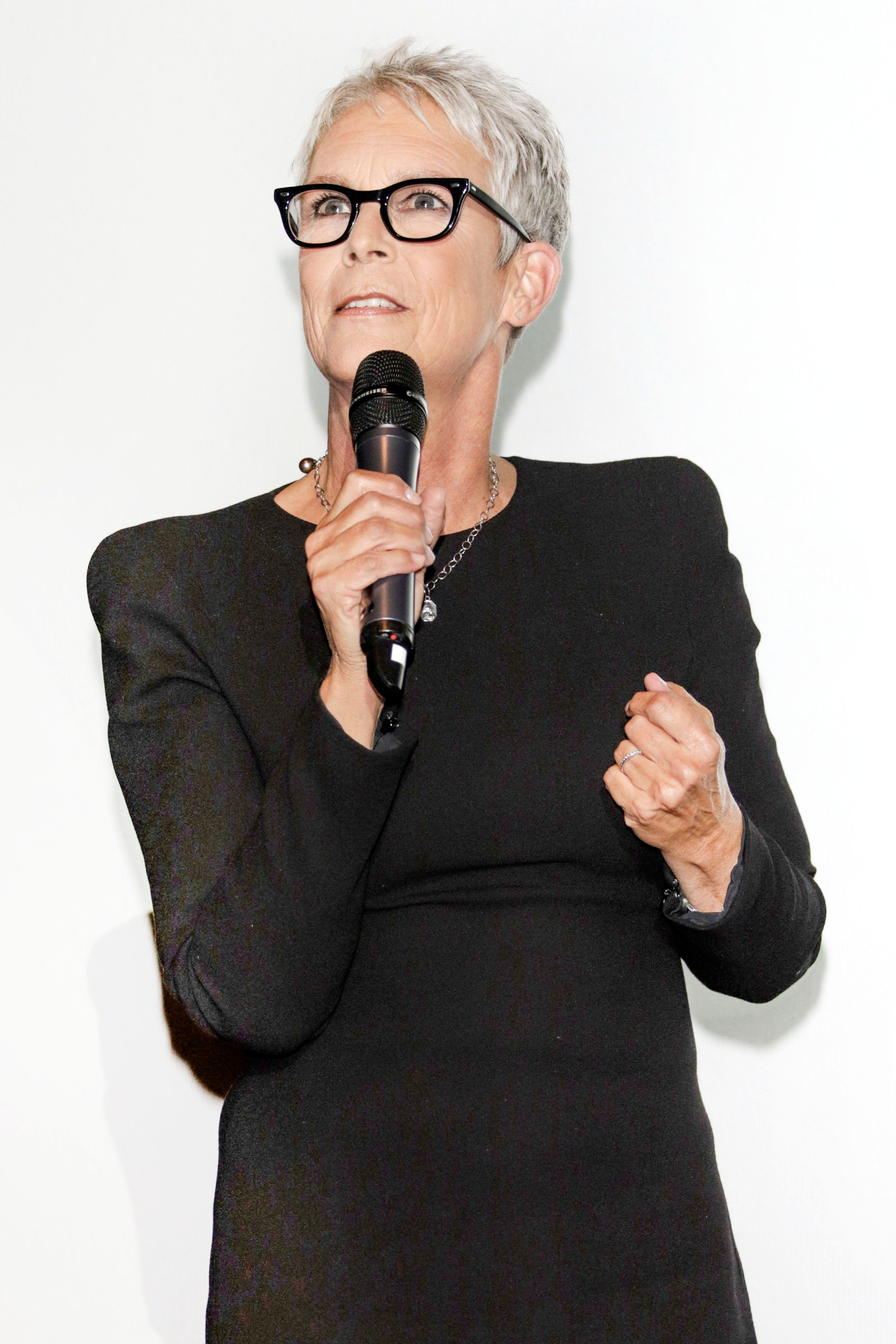 HAMBURG, GERMANY - OCTOBER 02: Jamie Lee Curtis attends the German premiere of the film 'Halloween' during the Hamburg Film Festival  on October 02, 2018 in Hamburg, Germany. (Photo by Tristar Media/Getty Images)