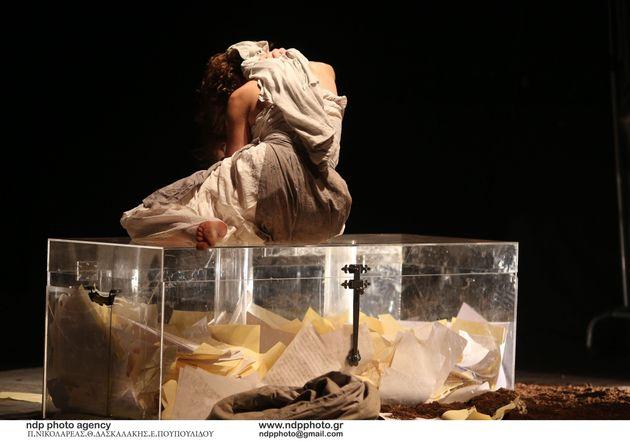 HuffPost Weekend: «Δούλες» του Ζενέ, Σιγανίδης στη Στέγη, OperaChaotiqueκαι