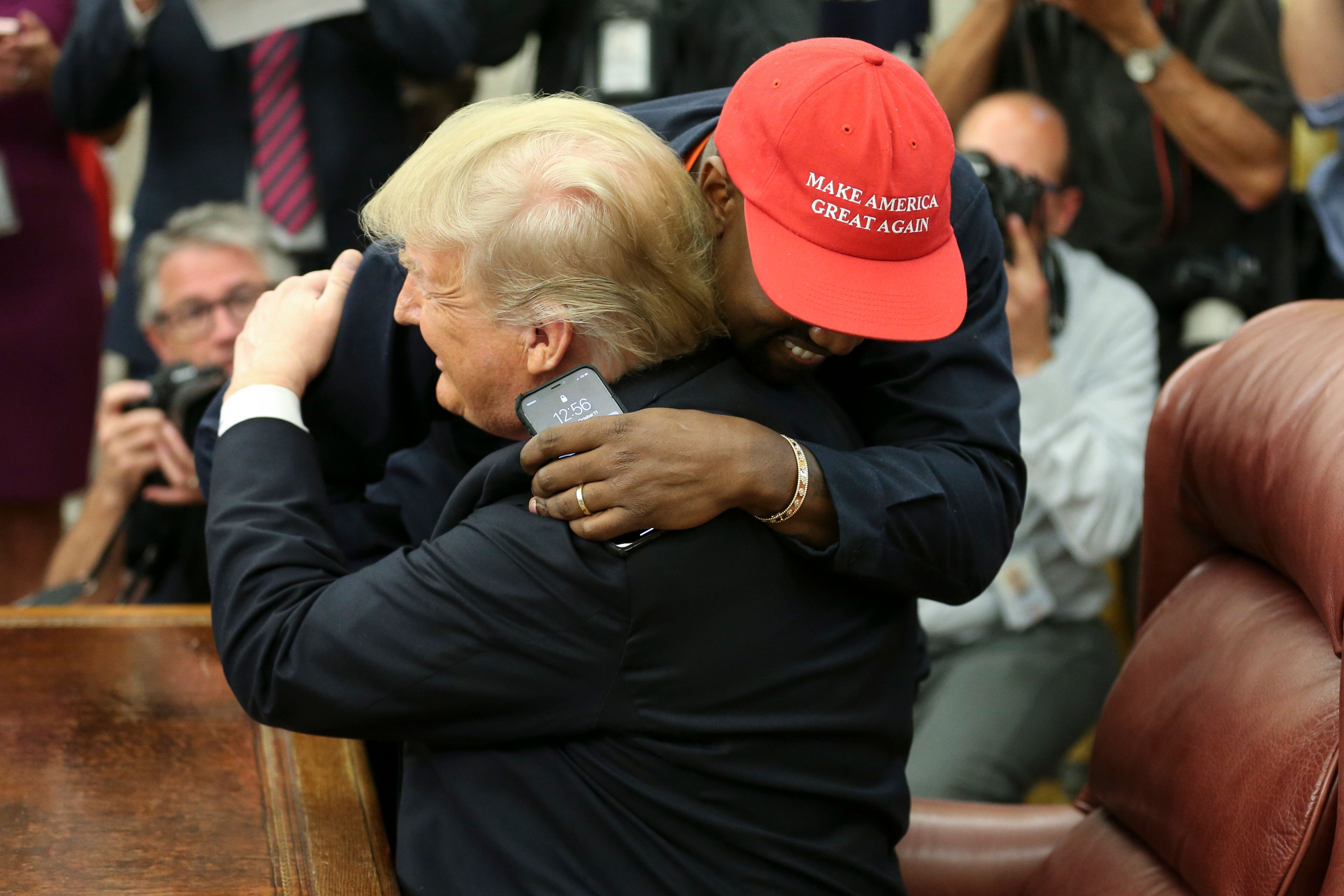 Kanye West Hugs Donald Trump, And Twitter Users Go Berserk