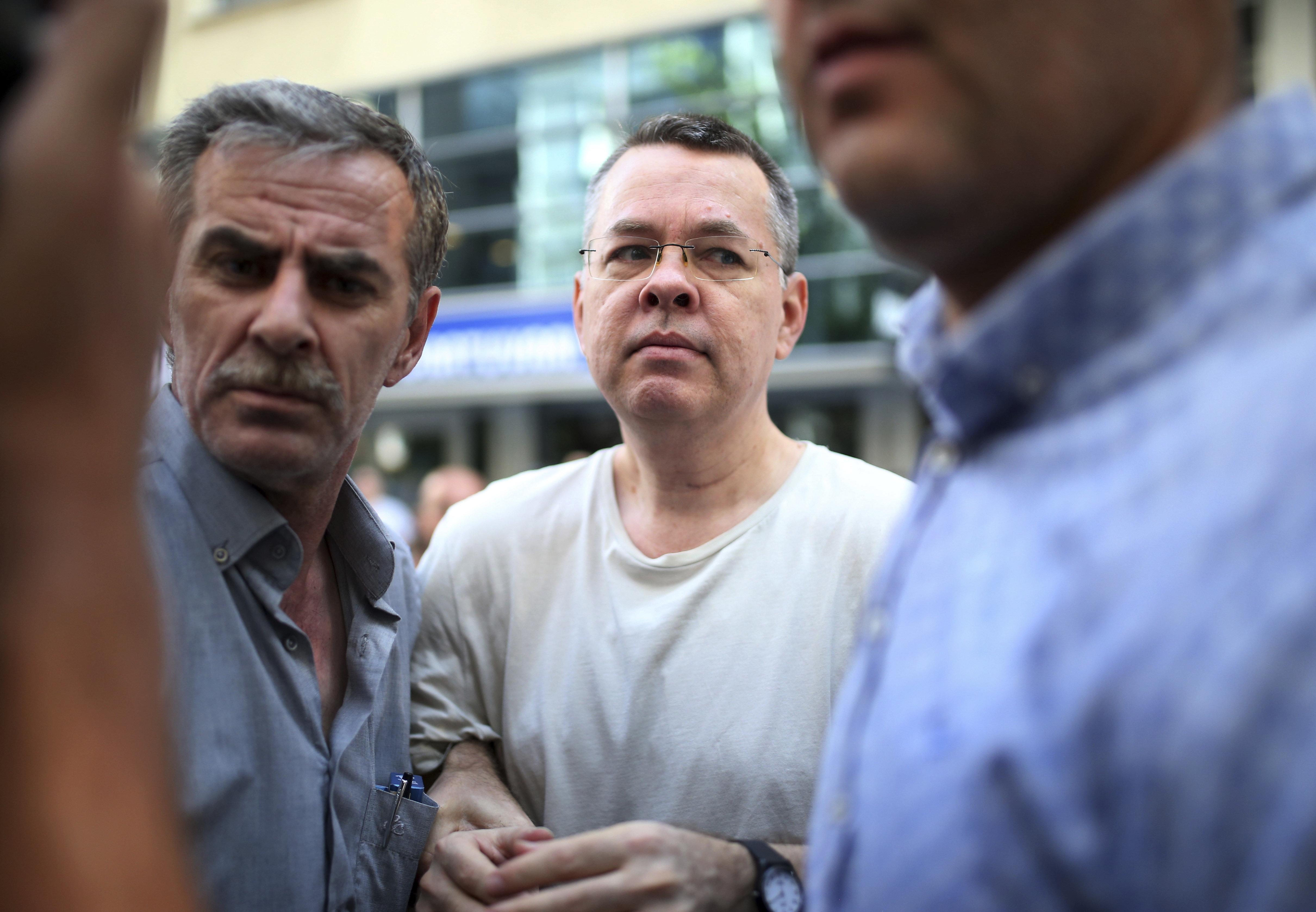 Τουρκία: Πώς η σημερινή εξέλιξη στην υπόθεση του πάστορα Μπράνσον θα επηρεάσει τις