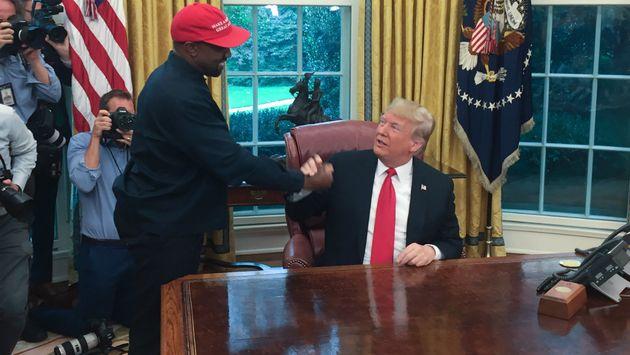 카니예 웨스트가 백악관에서 도널드 트럼프 미국 대통령에게 한 기괴한 발언
