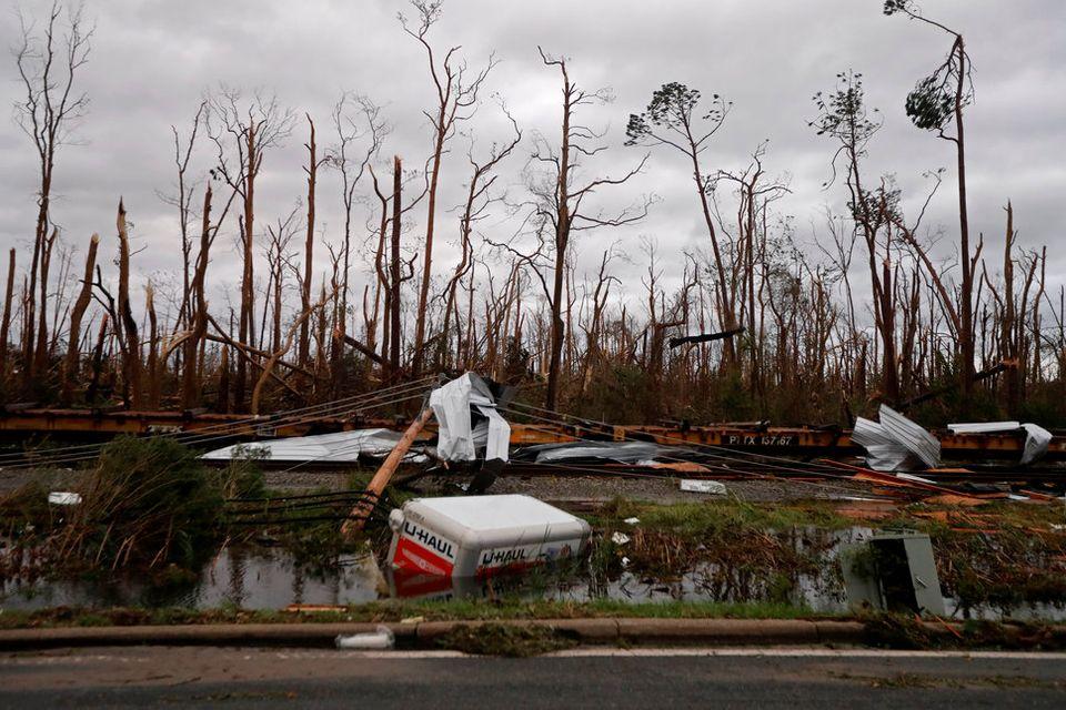 플로리다를 초토화시킨 허리케인 '마이클'의 파괴력을 사진으로