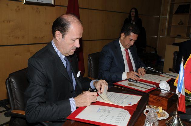 L'ambassadeur de France au Maroc Jean-François Girault et le ministre de l'Éducation nationale...